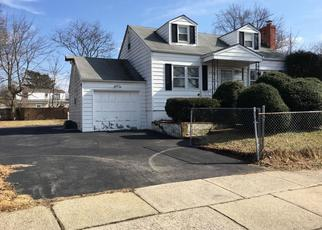 Foreclosed Home in Uniondale 11553 DECATUR ST - Property ID: 4343695743