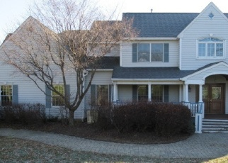 Foreclosed Home in Califon 07830 APPLE LN - Property ID: 4343900717