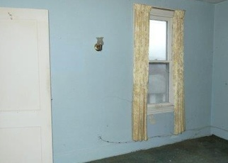 Foreclosed Home in Coraopolis 15108 VANCE AVE - Property ID: 4343973866