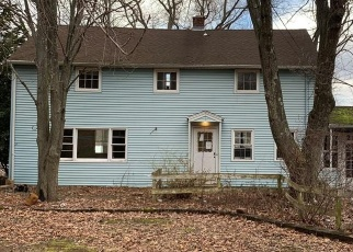 Foreclosed Home in Wallingford 06492 PARKER FARMS RD - Property ID: 4344023339