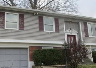 Foreclosed Home in Louisville 40214 YORKTOWN RD - Property ID: 4344189789