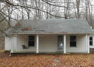 Foreclosed Home in Spencer 47460 COUNTRY CLUB RD - Property ID: 4344200731