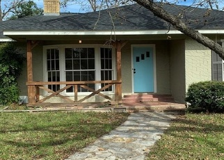 Foreclosed Home in La Grange 78945 S COLLEGE ST - Property ID: 4344724545