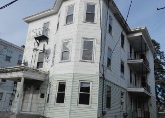 Foreclosed Home in Pawtucket 02860 W COLE ST - Property ID: 4344800306