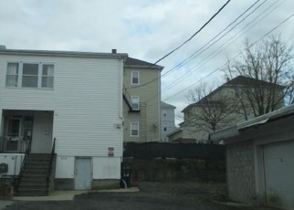 Foreclosed Home in Fall River 02723 ALDEN ST - Property ID: 4344815645