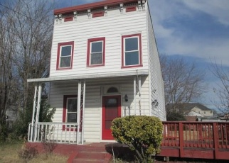 Foreclosed Home in Richmond 23220 BATH ST - Property ID: 4344829213