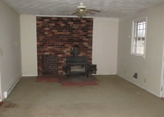 Foreclosed Home in Warsaw 22572 FOLLY NECK RD - Property ID: 4344850685