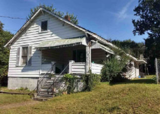 Foreclosed Home in Roanoke 24014 RIVERDALE RD SE - Property ID: 4344851556