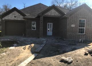 Foreclosed Home in Dallas 75216 SPRINGVIEW AVE - Property ID: 4344919441