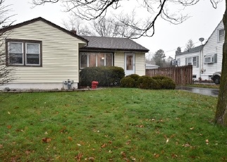 Foreclosed Home in Lombard 60148 E SUNSET AVE - Property ID: 4344928194