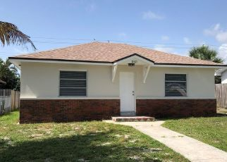 Foreclosed Home in Lake Worth 33460 CRESTWOOD BLVD - Property ID: 4345029368