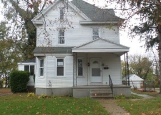 Foreclosed Home in Paulsboro 08066 W BROAD ST - Property ID: 4345083686
