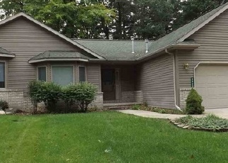 Foreclosed Home in Houghton Lake 48629 S TOWNLINE RD - Property ID: 4345091566