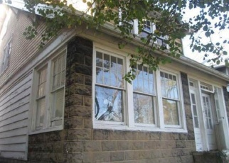 Foreclosed Home in Coraopolis 15108 EDGEWOOD AVE - Property ID: 4345257562