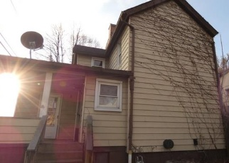 Foreclosed Home in Mc Kees Rocks 15136 CHURCHILL ST - Property ID: 4345316688