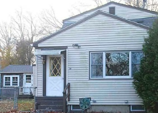Foreclosed Home in Tiverton 02878 SAWDY POND AVE - Property ID: 4345503259