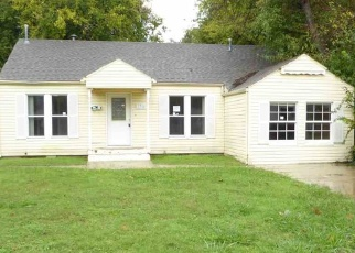 Foreclosed Home in Lawton 73507 NW MAPLE AVE - Property ID: 4345646481