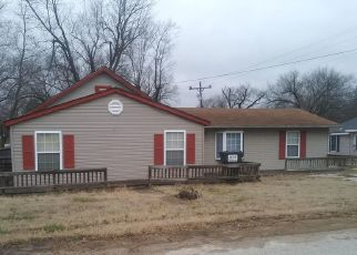 Foreclosed Home in Summersville 65571 CHERRY AVE - Property ID: 4345712620