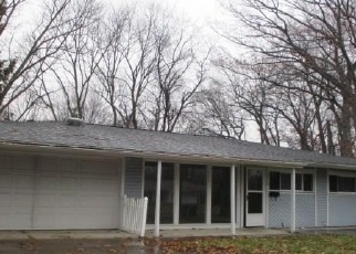 Foreclosed Home in Toledo 43606 LINCOLNSHIRE WOODS RD - Property ID: 4345853194