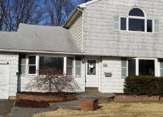 Foreclosed Home in West Islip 11795 CURTIN AVE - Property ID: 4345941676