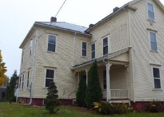 Foreclosed Home in Holyoke 01040 BEACON AVE - Property ID: 4346140965