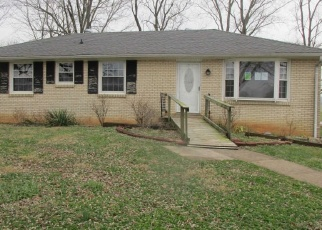 Foreclosed Home in Clarksville 37043 BUCK RD - Property ID: 4346839519