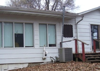 Foreclosed Home in Kell 62853 KELL RD - Property ID: 4346848272
