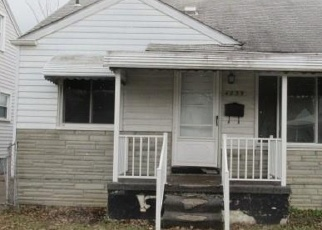 Foreclosed Home in Lincoln Park 48146 LONGTIN AVE - Property ID: 4346984943