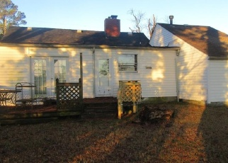 Foreclosed Home in Portsmouth 23702 FINCHLEY RD - Property ID: 4347057635