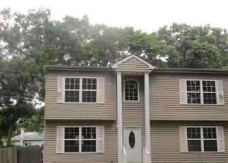 Foreclosed Home in Mastic Beach 11951 WAVECREST DR - Property ID: 4347215297