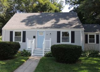 Foreclosed Home in North Kingstown 02852 LAKE DR - Property ID: 4347284952