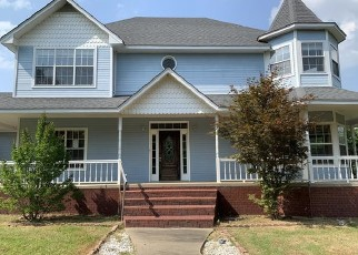 Foreclosed Home in Poteau 74953 COOPER RD - Property ID: 4347647587
