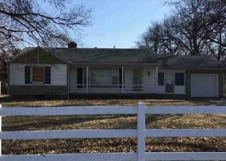 Foreclosed Home in Kansas City 64131 E 89TH ST - Property ID: 4347889338