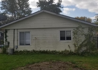Foreclosed Home in Algonac 48001 COLUMBIA ST - Property ID: 4348000142
