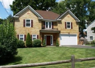 Foreclosed Home in Stamford 06902 KENILWORTH DR W - Property ID: 4348794189