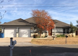 Foreclosed Home in Marble Falls 78654 OAKWOOD DR - Property ID: 4348856837