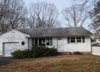 Foreclosed Home in Ronkonkoma 11779 EXPRESS DR N - Property ID: 4348961954