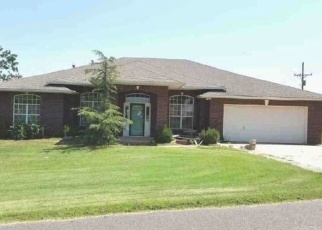 Foreclosed Home in Luther 73054 N CURTIS AVE - Property ID: 4349286483