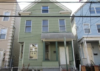 Foreclosed Home in Elizabeth 07206 INSLEE PL - Property ID: 4349344739