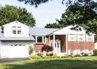 Foreclosed Home in Southampton 18966 S KITTY KNIGHT DR - Property ID: 4349504594