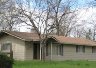 Foreclosed Home in Central Point 97502 DENNIS RD - Property ID: 4349713956