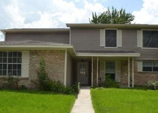 Foreclosed Home in Sugar Land 77498 CEDARTOWNE LN - Property ID: 4349725327