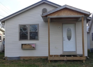 Foreclosed Home in Uhrichsville 44683 N DAWSON ST - Property ID: 4349749420