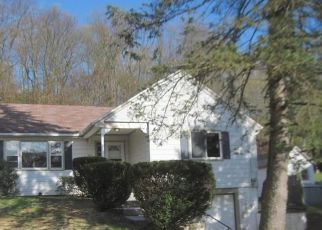 Foreclosed Home in East Haven 06512 LAUREL ST - Property ID: 4350204476