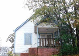 Foreclosed Home in Gladewater 75647 N LIVE OAK ST - Property ID: 4350251333