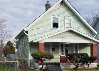 Foreclosed Home in Indianapolis 46222 N HOLMES AVE - Property ID: 4350754571