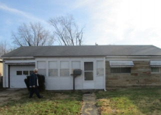 Foreclosed Home in Indianapolis 46218 HILLSIDE AVE - Property ID: 4350845224