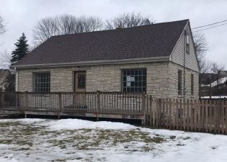 Foreclosed Home in Menomonee Falls 53051 TOWN LINE RD - Property ID: 4350911810