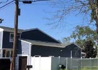 Foreclosed Home in Babylon 11702 WALBRIDGE AVE - Property ID: 4350962163