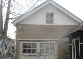 Foreclosed Home in Bronx 10465 REYNOLDS AVE - Property ID: 4351102315